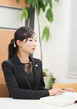 弁護士 鈴木恵美